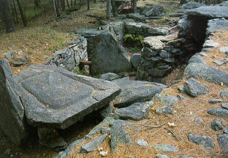 America's Stonehenge 4,000 year old Mystery Monument Amerstonehenge1