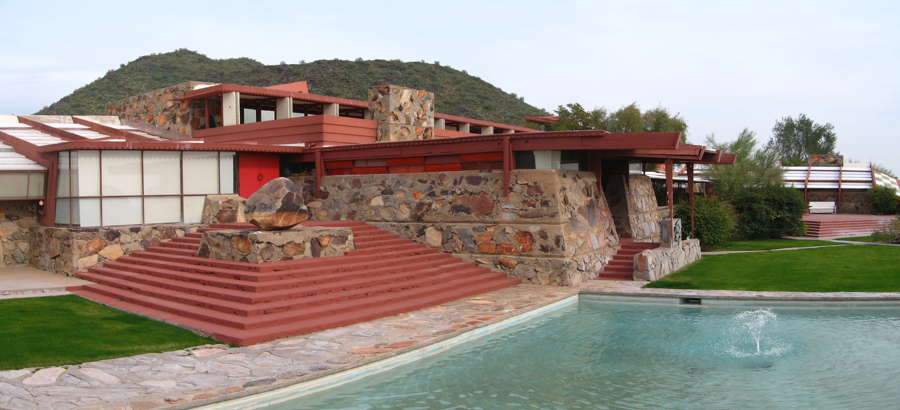 Wright at Home: An Inside Look at Frank Lloyd Wright's
